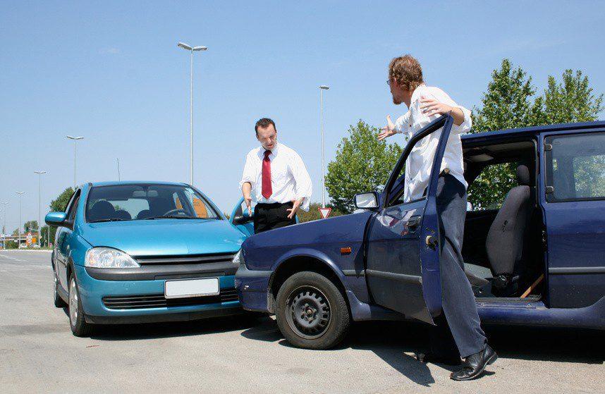 Verkehrsunfall und was nun? Kompetente Hilfe vom Rechtsanwalt spart unnötig Ärger!