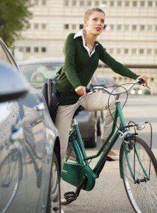 Bushaltestelle – Kollision zwischen Radfahrer und Fußgänger