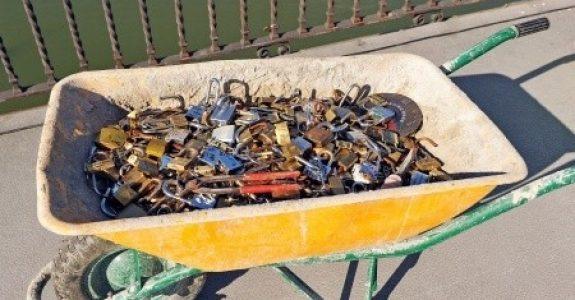 Sammlung von Abfällen aus Metall