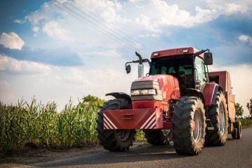 Traktor – Kollision beim Abbiegen mit Überholendem