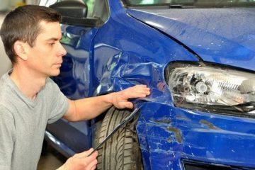 Parkplatz – Vorbeifahren an stehendem Auto – Mitverschulden?