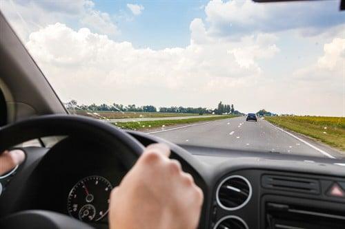 Fahren mit ausländischer Fahrerlaubnis kann Haftung der Kfz-Haftpflichtversicherung bei Unfall ausschließen