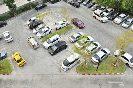 Unfall auf einem Parkplatz