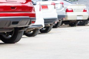 Parkplatzunfall – Kollision beim Rückwärtsfahren