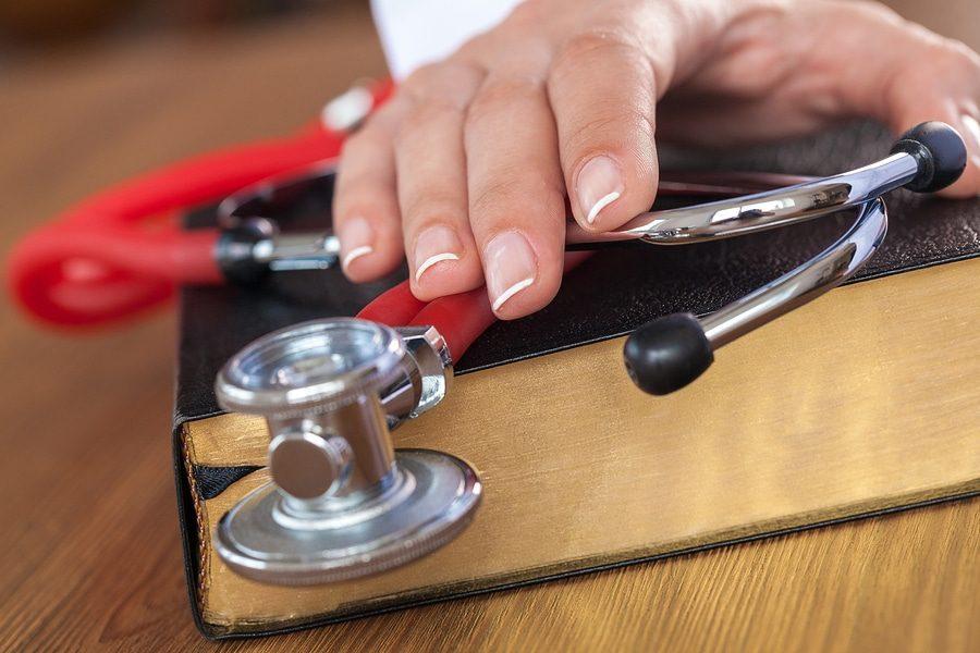 Sachverständiger Medizinrecht