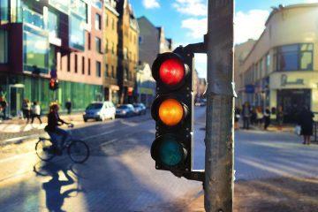 Vollkaskoversicherung – Rotlichtverstoß immer grob fahrlässig?
