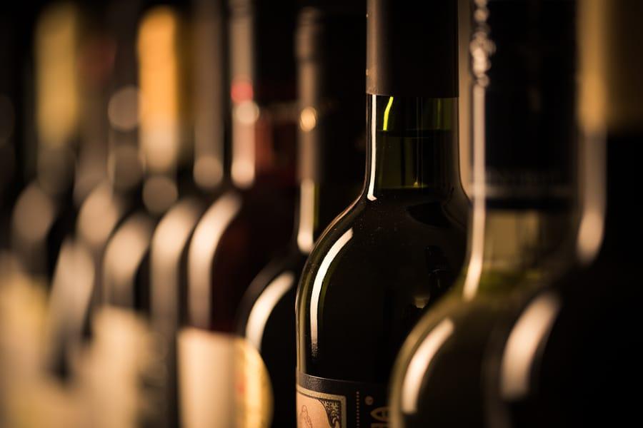 Weinlabor Haftpflichtversicherung - Begriff des Sachschadens und Auslegung der Bearbeitungsklausel