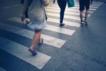 Beobachtungspflichten eines Fußgängers bei Überquerung eines Fußgängerüberwegs