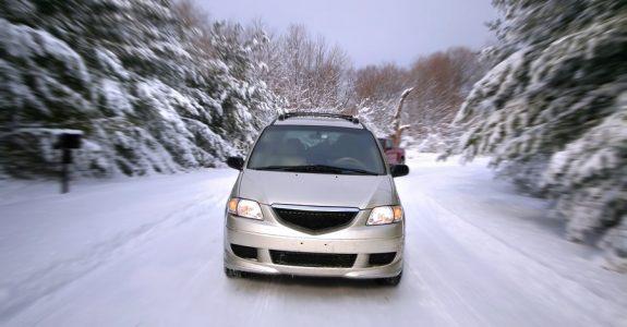 Auto bei Schnee