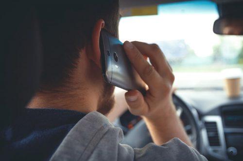 Verbotswidrige Mobilfunktelefonnutzung – Handy als Wärmeakku für die Backe