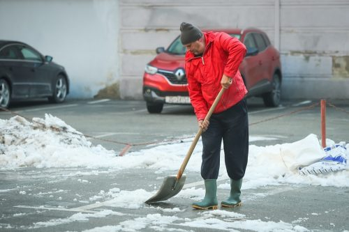 Schneeschieben auf Partplatz - Verkehrssicherungspflicht