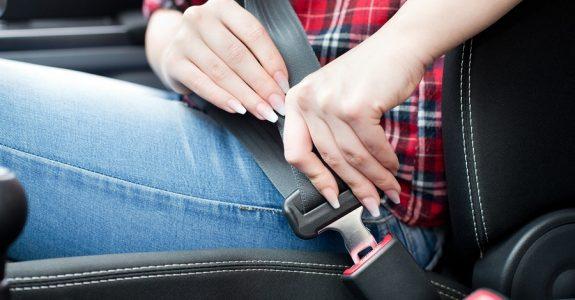 Verkehrsunfall - Mitverschulden durch Nichtbeachtung der Anschnallpflicht