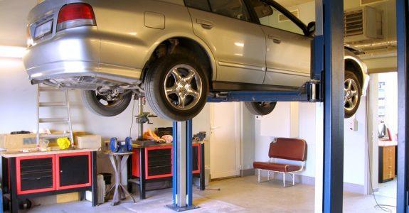Verkehrsunfall: Erstattung von Verbringungskosten, UPE-Aufschlägen und Beilackierungskosten bei fiktiver Schadensabrechnung