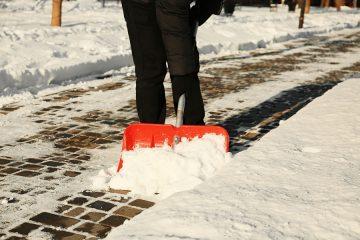 Verkehrssicherungspflicht bei Schnee- und Eisglätte – Winterdienst für Grundstückseigentümer