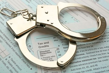 Steuerhinterziehung: Strafbefreiende Selbstanzeige beim Finanzamt