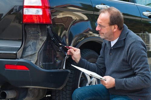 Verkehrsunfall: Restwertberechnung - verbindliche Angebote auswärtiger Händler