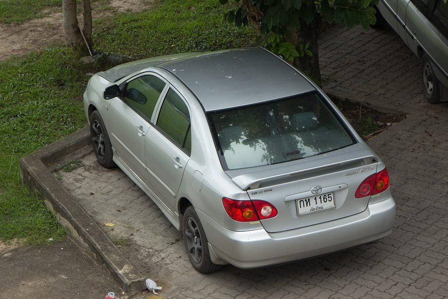 Fahrzeugunterstellung über mehrere Jahre - Eigentumsaufgabe