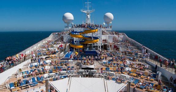Kreuzfahrt - Behandlungsfehler des Schiffsarztes und Haftung des Reiseveranstalters
