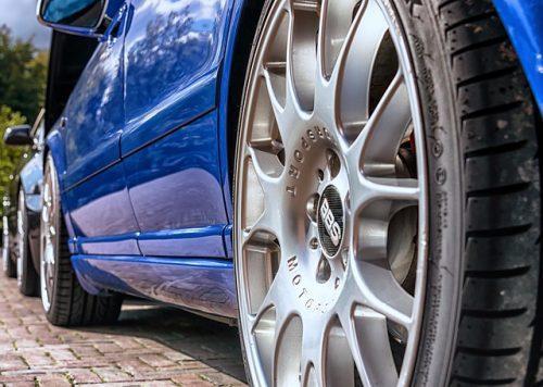 Verkehrsunfall: Schadensersatz für Felgenprüfung und Reinigung sowie Politur des Fahrzeugs