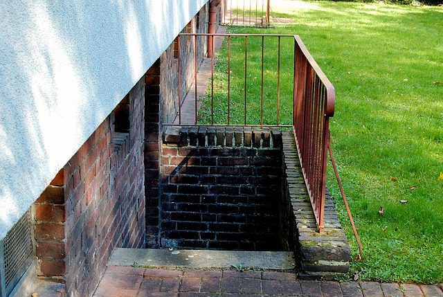 Verkehrssicherungspflicht - unbeleuchtete Kellertreppe