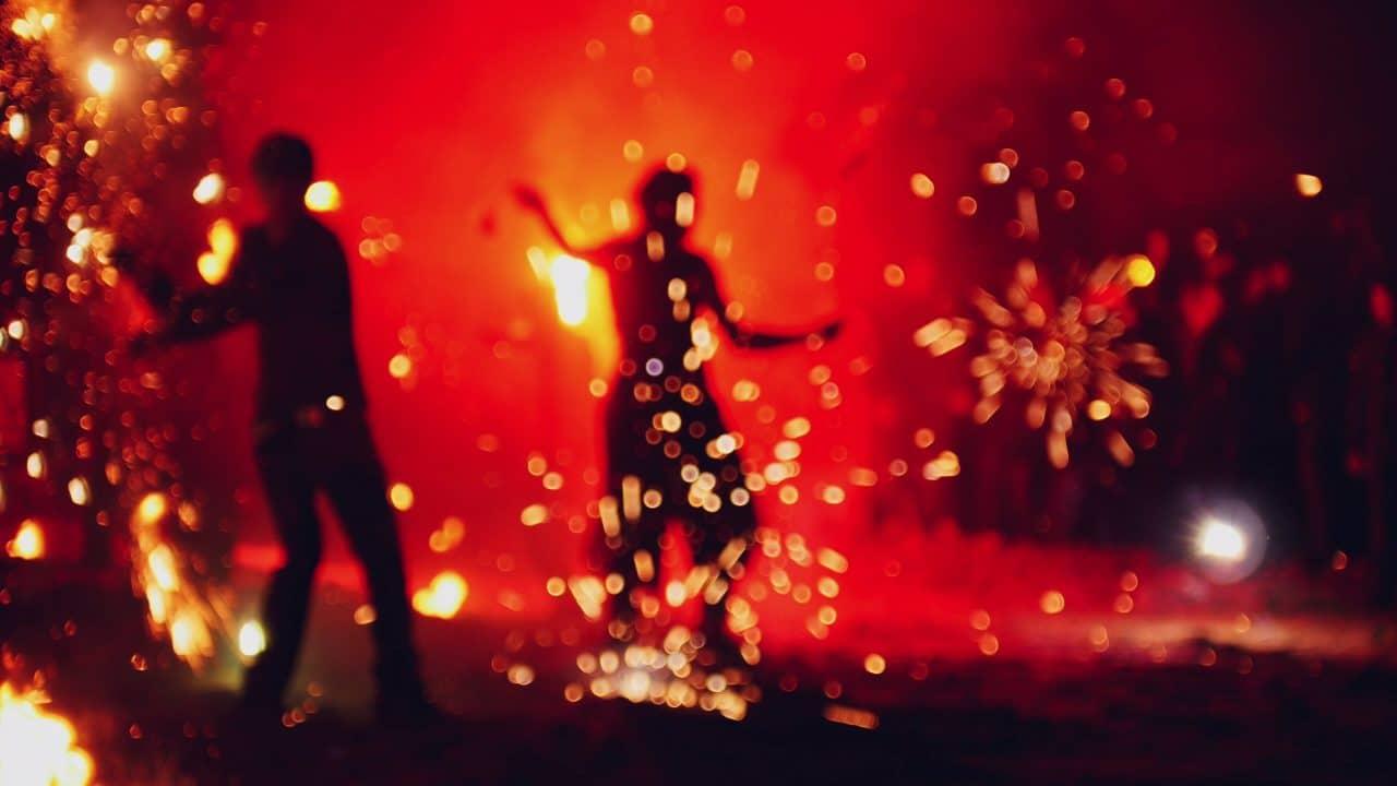 Selbstgebastelter Feuerwerkskörper - Schadensersatz wegen fahrlässiger Körperverletzung