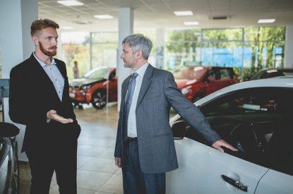 Minderungsansprüche nach Kauf eines mangelhaften Fahrzeugs bei Vorliegen einer Garantieversicherung
