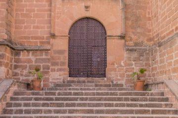 Außentreppe einer Kirche – Verkehrssicherungspflichtverletzung