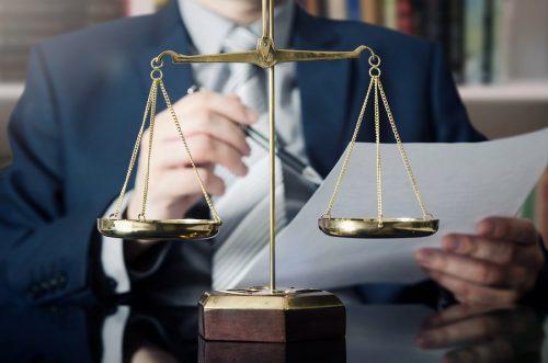 Beschlussanfechtung - kann Wohnungseigentümer bei Säumnis der übrigen ein wirksames Anerkenntnis abgeben?