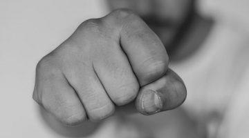 Körperverletzung: Schmerzensgeld bei Schlag mit der Hand in das Gesicht