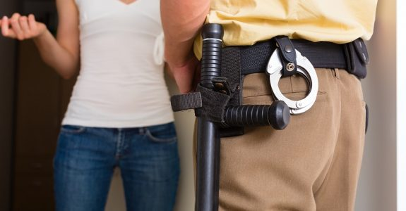 Verwertbarkeit der Aussage eines Polizeibeamten als Verhörsperson