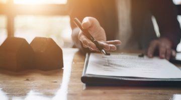 Gewerberaummietvertrag – Schadensersatzpflicht des Vermieters, wenn Vormieter Mietobjekt nicht räumt