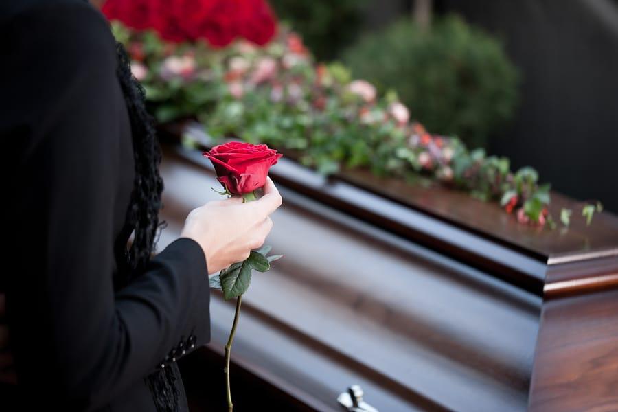 Ersatzfähige Beerdigungskosten bei Tötung eines Menschen - Drittschaden bei Tötung