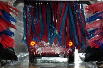 Autowaschanlage: Fahrzeugbeschädigung aufgrund der Fehlbenutzung