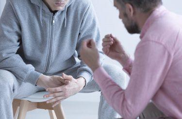 Eltern geschlagen und beleidigt: Pflichtteilsentziehung möglich