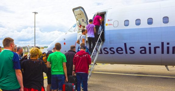 Flug: Bordgewalt des Flugkapitäns bei übermäßigem Alkoholkonsum von Passagieren