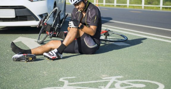Verkehrsunfall mit Radfahrer welcher Fahrradweg entgegen der erlaubten Fahrtrichtung befährt
