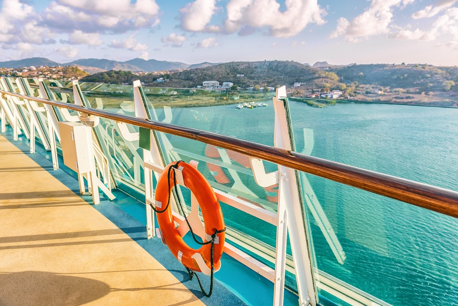 Kreuzfahrtreisevertrag: Haftung des Reiseveranstalters wegen der Verletzung von Informations- und Hinweispflichten