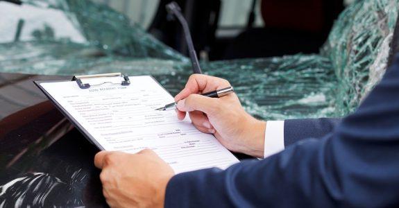 Verkehrsunfall – Schadensgutachten und Ersatz von Fotokopiekosten