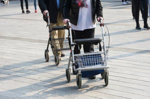 Altersheimhaftung - Beschädigung eines Kraftfahrzeugs durch einen Heimbewohner