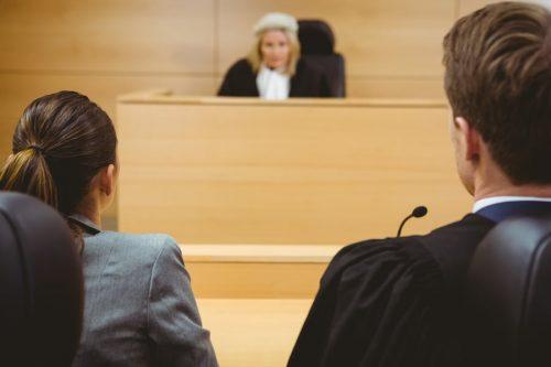 Verfahrensfehler des Gerichts: Beauftragung eines Sachverständigen ohne die erforderliche Fachkunde