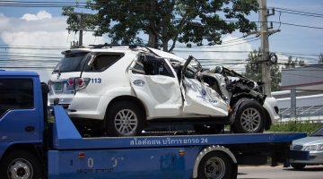 Verkehrsunfall: Erstattungsfähigkeit von Abschleppkosten