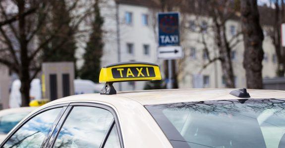 Verkehrsunfall: Nutzungsausfallentschädigung für ein gewerblich genutztes Taxi