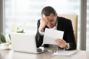 Tritt ein Schuldnerverzug durch eine Mahnung vor dem Ablauf einer Prüfungsfrist bei Dienst- oder Werkleistungen ein?