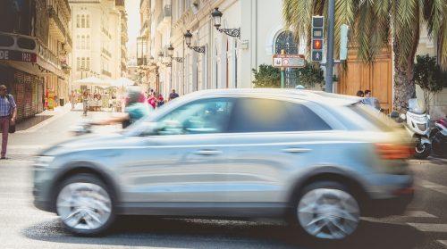 Verkehrsunfall: Kollision mit einem Kreuzungsräumer