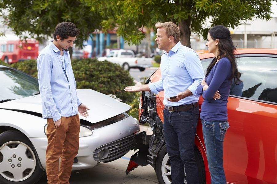 Verkehrsunfall: Geschädigter kann trotz mündlicher Schadensübernahmezusage noch ein Schadensgutachten einholen