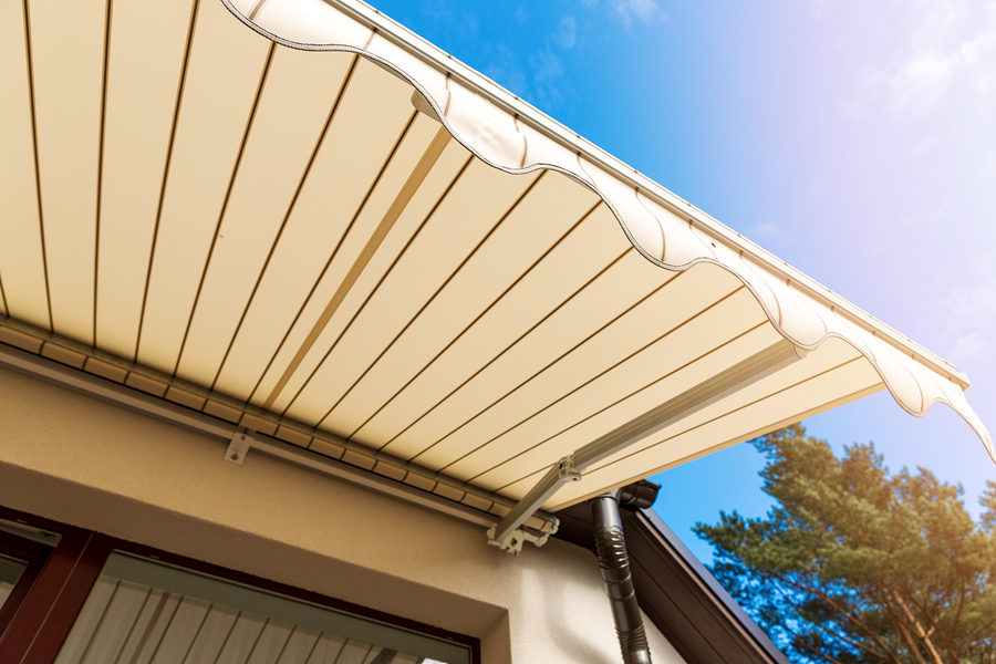 Terrassenüberdachung auf Nachbargrundstück - Anspruch auf Beseitigung