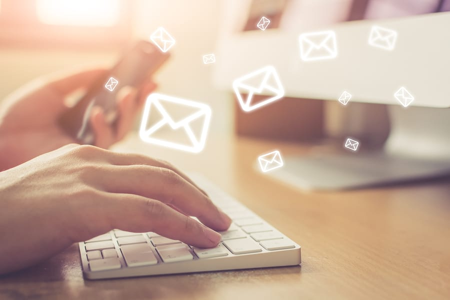 E-Mail-Zugang: Pauschales Bestreiten des Zugangs in Ausnahmefällen nicht ausreichend