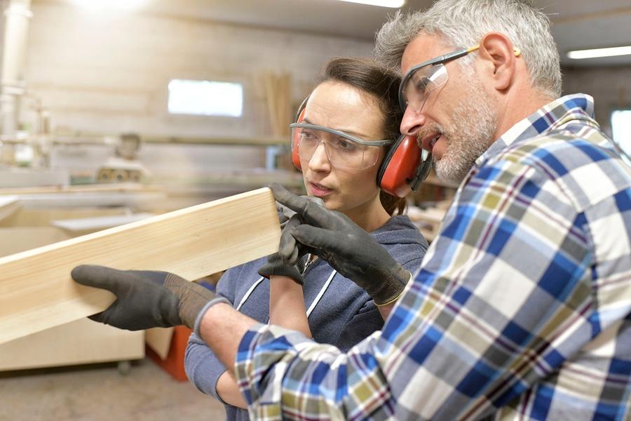 Auszubildender: Anspruch auf Mehrarbeitsvergütung bei Ableistung von Überstunden?