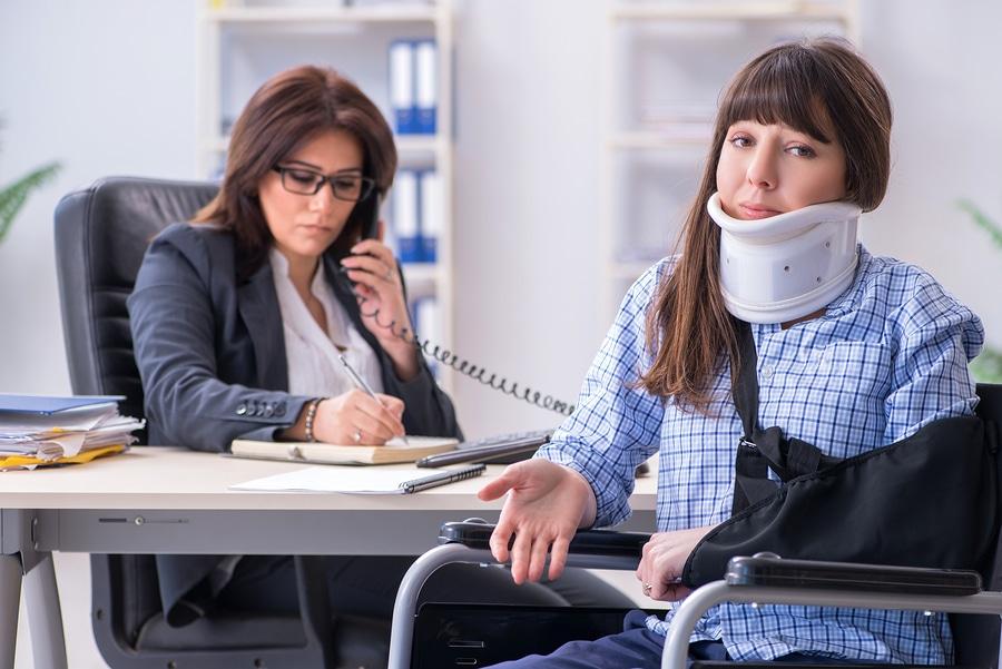 Berufsunfähigkeitsversicherung - verspätete Anzeige der Berufsunfähigkeit