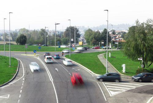 Verkehrsunfall: Kollision mit einem wendenden Fahrzeug